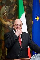 Il Presidente del Parlamento Europeo Martin Schulz durante la conferenza stampa dopo l'incontro con Mario Monti European Parliament President Martin Schulz, during the press conference at Palazzo Chigi at the end of his meeting with Italian Prime Minister Mario Monti.