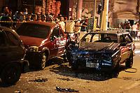 SAO PAULO, SP, 03.08.2015 – ACIDENTE-SP - O motorista de uma parati azul perdeu o controle e bateu em três carros que estavam estacionados na Av. Sapopemba, altura do número 11000, região leste de São Paulo, SP, nesta segunda-feira, 03. Uma pessoa morreu e outras duas foram encaminhadas para hospitais da região.O caso foi encaminhado para o 69° DP de Teotônio Vilela. ( Foto: Fernando Neves / Brazil Photo Press)