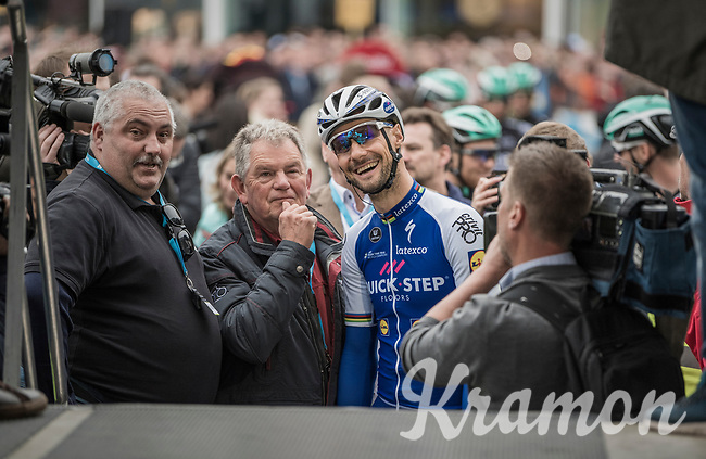 Tom Boonen's (BEL/Quick-Step Floors) last ever (farewell) race on Belgian soil starts in his hometown of Mol. When he mounts the sign-on stage the crowd roars him on.<br /> <br /> 105th Scheldeprijs 2017 (1.HC)<br /> 1 Day Race: Mol &rsaquo; Schoten (BEL/202km)