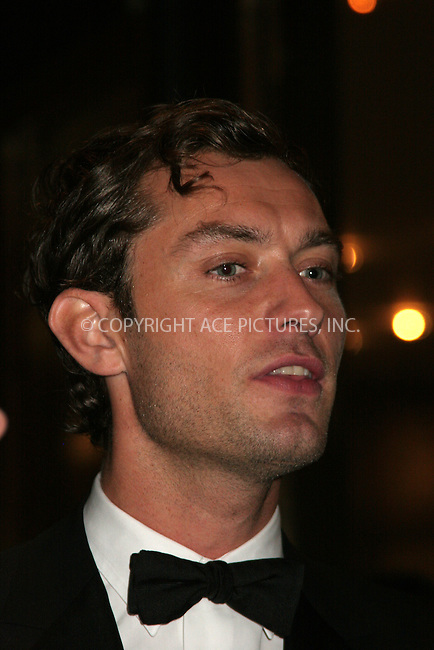 WWW.ACEPIXS.COM . . . . .  ....September 25, 2006, New York City. ....Jude Law attends the opening night of the Lincoln Center Metropolitan Opera 2006-2007 Season.....Please byline: NANCY RIVERA- ACE PICTURES.... *** ***..Ace Pictures, Inc:  ..Philip Vaughan (212) 243-8787 or (646) 769 0430..e-mail: info@acepixs.com..web: http://www.acepixs.com