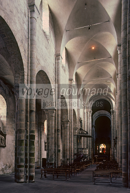 Europe/France/Limousin/23/Creuse/Chambon-sur-Voueize: Eglise Sainte Valérie - La nef