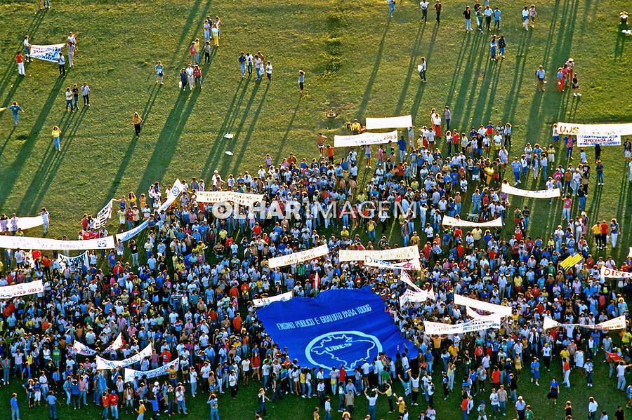Manisfestação de estudantes em Brasília. 1988. Foto de Salomon Cytrynowicz..