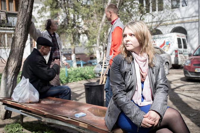 Junge Frau von der Krim, die nach Lemberg umzieht, da sie nicht in Russland leben will. Anastasia Magazova, Journalistin will unter den neuen Umständen nicht mehr in Ihrer Heimatstadt Simferopol leben.