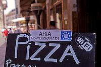 Roma, 22 Luglio 2015<br /> Un ristorante vicino piazza Navona, pizza, aria condizionata, e Wi-Fi free. Continua l'ondata di caldo con temperature che superano i 40 gradi.<br /> Rome, July 22, 2015<br /> A restaurant near Piazza Navona, pizza, air conditioned and Wi-Fi free. Continue the heat wave with temperatures exceeding 40 degrees