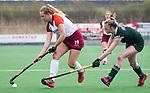 ALMERE - Hockey - Overgangsklasse competitie dames ALMERE- ROTTERDAM (0-0) . Joelle Angel met rechts Rebecca Huygens van Rotterdam.    COPYRIGHT KOEN SUYK