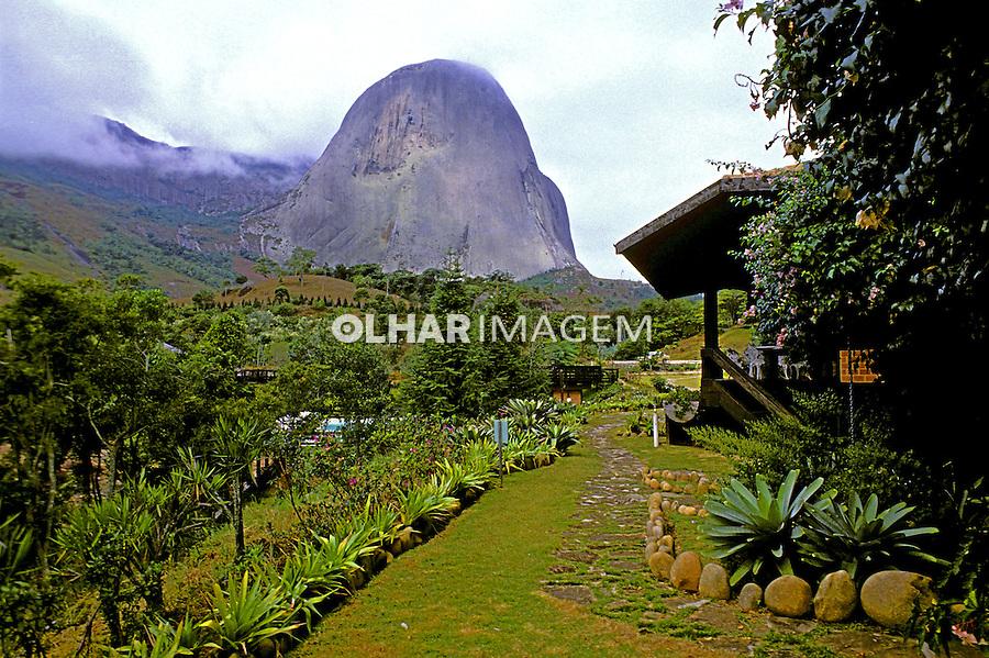 Pico da Pedra Azul em Domingos Martins. Espírito Santo. 1988. Foto de Juca Martins.