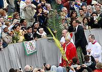 20140413 VATICANO: PAPA FRANCESCO CELEBRA LA DOMENICA DELLE PALME