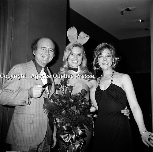 Miss Bonanza Playboy et Ginette Pelissier<br /> (a droite)  (date exacte inconnue, avant 1984)<br /> <br /> Photo : Agence Quebec Presse - Roland Lachance
