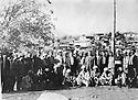Irak 1962?.Sheikh Ahmed recevant des fonctionnaires du gouvernement irakien a Barzan.Iraq 1962?.Sheikh Ahmed welcoming Iraqi civil servants in Barzan