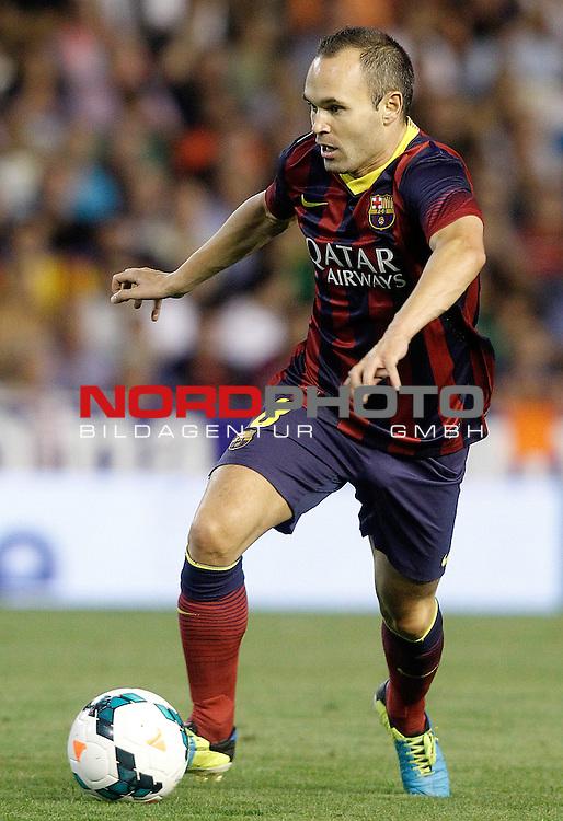 FC Barcelona's Andres Iniesta during La Liga match.September 1,2013. Foto © nph / Acero)