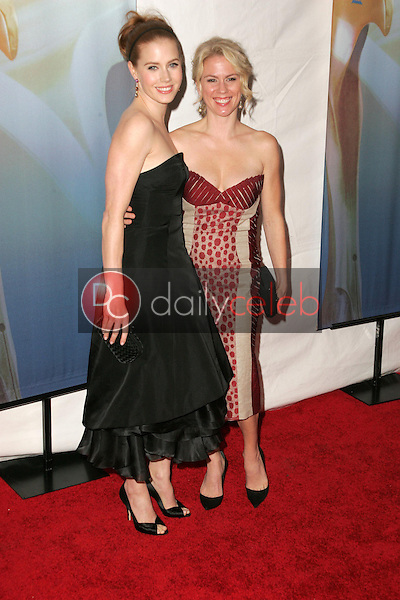 Amy Adams and sister Julie<br />at the 2006 Writers Guild Awards. Hollywood Palladium, Hollywood, CA. 02-04-06<br />Dave Edwards/DailyCeleb.com 818-249-4998