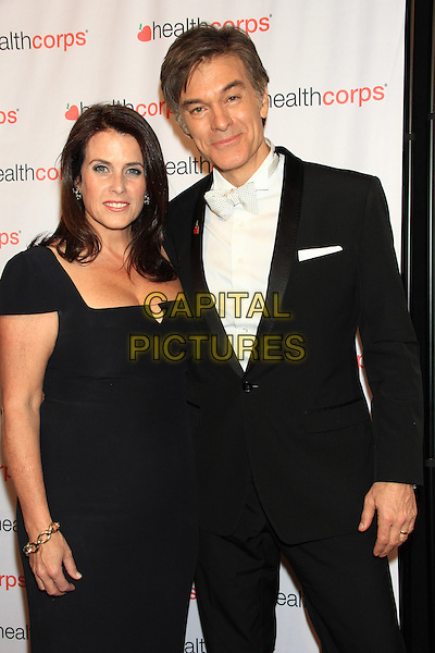 NEW YORK, NY - APRIL 9: Dr. Mehmet Oz and wife Lisa Oz attends HealthCorps' 8th Annual Gala at the Waldorf-Astoria on April 9, 2014 in NEW YORK CITY<br /> CAP/LNC/TOM<br /> &copy;TOM/LNC/Capital Pictures