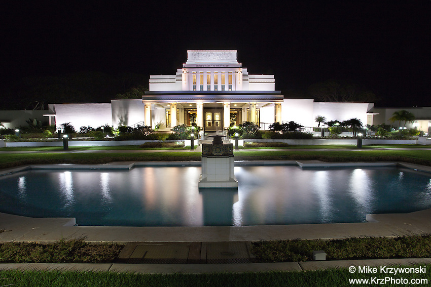 Mormon Temple at night in Laie, Oahu, Hawaii