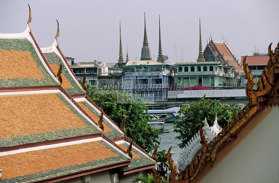 Thaïlande/Bangkok: Le fleuve et l'embacadère de Taa Thien vu depuis le temple de Wat Arun