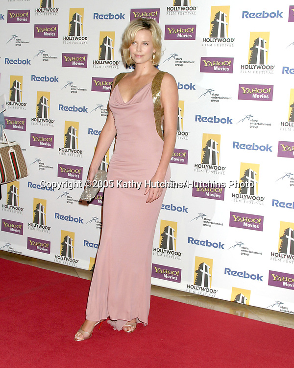 Charlize Theron.Hollywood Film Festival Gala.Beverly Hilton Hotel.Los Angeles, CA.October 24, 2005.©2005 Kathy Hutchins / Hutchins Photo..