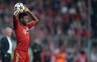 FUSSBALL  CHAMPIONS LEAGUE  HALBFINALE  HINSPIEL  2012/2013      FC Bayern Muenchen - FC Barcelona      23.04.2013 David Alaba (FC Bayern Muenchen) bein Einwurf