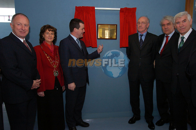 Official opening of the Drogheda College of Further Education  by Minister Noel Dempsey T.D., Pictured With Marie O'Brien Campbell Mayor, Minister Dermot Ahern T.D.  VEC Chairman Eamon Kinch,                  and Jimmy Mulroy..Picture Fran Caffrey Newsfile
