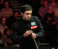Ronnie O'Sullivan weighs up his options during the Dafabet Masters FINAL between Barry Hawkins and Ronnie O'Sullivan at Alexandra Palace, London, England on 17 January 2016. Photo by Liam Smith / PRiME Media Images