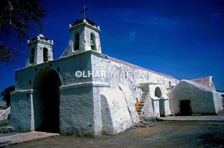 Igreja no Deserto do Atacama. San Pedro de Atacama. Chile. 1998. Foto de Vinícius Romanini.
