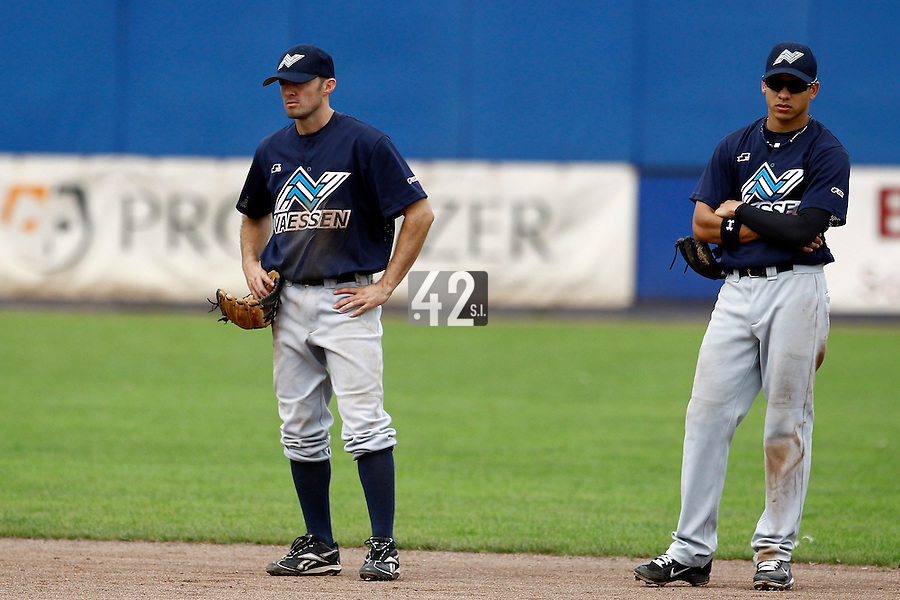 10 September 2011: Michael Duursma of Vaessen Pioniers is seen next to Zerzinho Croes during game 4 of the 2011 Holland Series won 6-2 by L&D Amsterdam Pirates over Vaessen Pioniers, in Amsterdam, Netherlands.