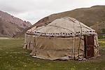 Yurts, Besh Moinok, Tien Shan Mountains, eastern Kyrgyzstan