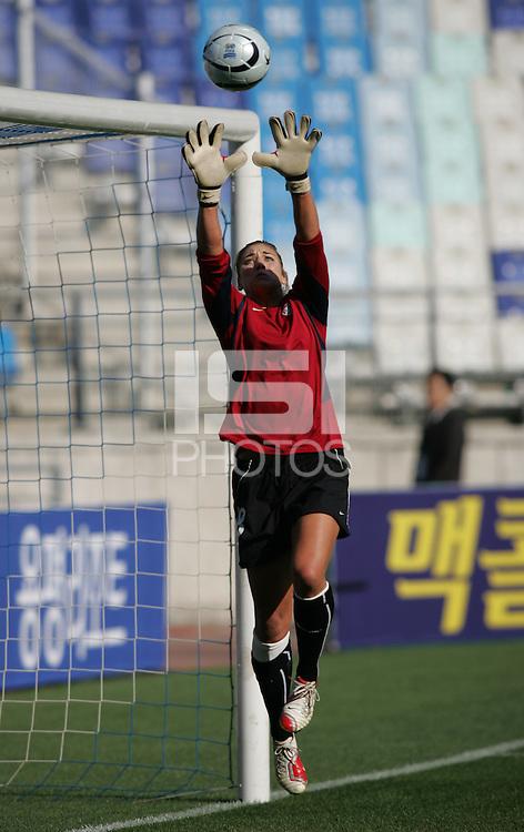 Nov 2, 2006: Suwon, South Korea:  Hope Solo