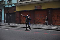 SAO PAULO, SP, 07.09.2013-Confronto entre policia militar e manifestantes Black Bloc - Adriano Lima / Brazil Photo Press