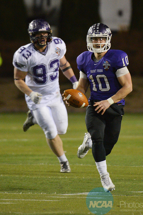 19 DEC 2014: Mount Union takes on the University of Wisconsin-Whitewater during the Division III Men's Football Championship held at Salem Stadium in Salem, VA. Wisconsin-Whitewater defeated Mount Union 43-34 for the national title. Andres Alonso/NCAA Photos