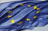 La Unión Europea (EU) valora la propuesta de China de adquirir en un futuro obligaciones legales para reducir sus emisiones de gases de efecto invernadero, afirmó este lunes, 5 de diciembre, la comisaria europea de Acción para el Clima, Connie Hedegaard.