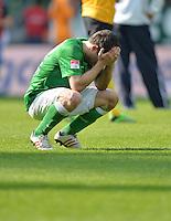 FUSSBALL   1. BUNDESLIGA   SAISON 2012/2013    32. SPIELTAG SV Werder Bremen - TSG 1899 Hoffenheim             04.05.2013 Sokratis Papastathopoulos (SV Werder Bremen)  ist nach dem Abpfiff enttaeuscht