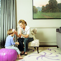 Alexandra Wentworth and her daughter Harper in the living room