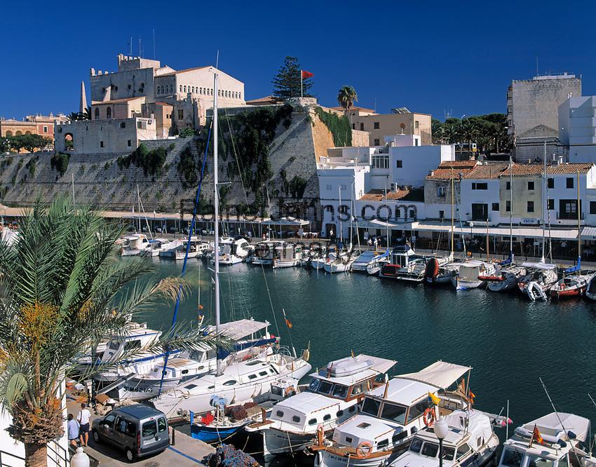 Spanien, Balearen, Menorca, Ciutadella: Stadt und Hafen   Spain, Balearic Islands, Menorca, Ciutadella: Town and Harbour