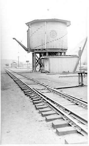 D&amp;RGW Durango water tank from north side.<br /> D&amp;RGW  Durango, CO  Taken by Rogers, Donald E. A. - 5/31/1939