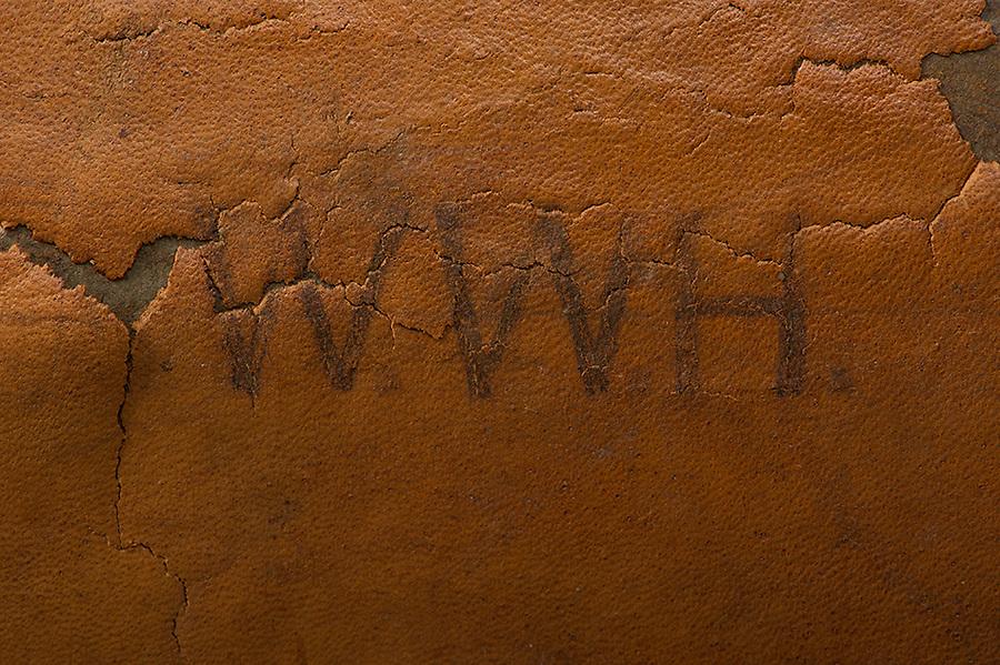Willard Suitcases / William W H / ©2014 Jon Crispin