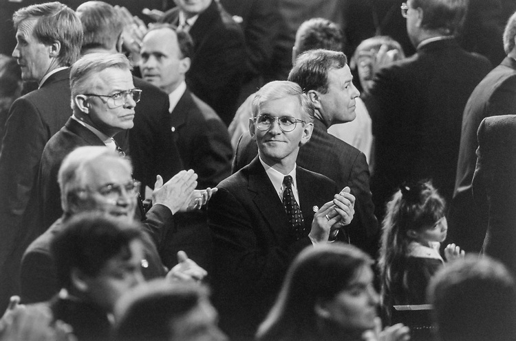 Rep. Steve Gunderson, R-Wis. among Republican colleagues on Jan. 5, 1995. (Photo by Laura Patterson/CQ Roll Call)