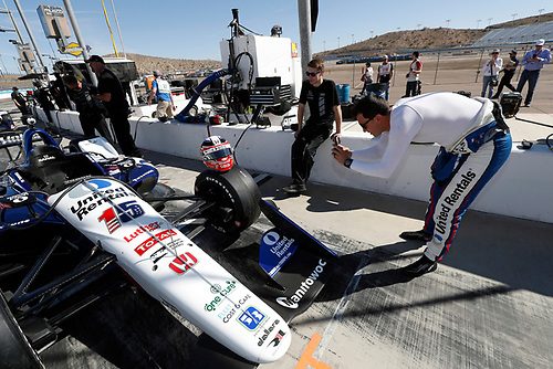 2018 IndyCar Phoenix testing<br /> Phoenix Raceway, Avondale, Arizona, USA<br /> Friday 9 February 2018<br /> Graham Rahal, Rahal Letterman Lanigan Racing Honda photographs his helmet<br /> World Copyright: Michael L. Levitt<br /> LAT Images<br /> ref: Digital Image _33I7213