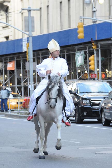 March 14, 2013: Pope imitator.Mandatory Credit: Kristin Callahan/ACE/INFphoto.com ..Ref: infusny-220