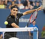 Roger Federer (SUI) defeats Roberto Bautista Agut (ESP) 6-4, 6-3, 6-2