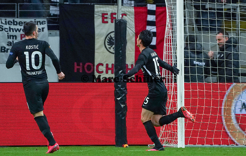 Daichi Kamada (Eintracht Frankfurt) erzielt das Tor zum 2:0 gegen Torwart Cican Stankovic (RB Salzburg, #01) und jubelt - 20.02.2020: Eintracht Frankfurt vs. RB Salzburg, UEFA Europa League, Hinspiel Round of 32, Commerzbank Arena DISCLAIMER: DFL regulations prohibit any use of photographs as image sequences and/or quasi-video.