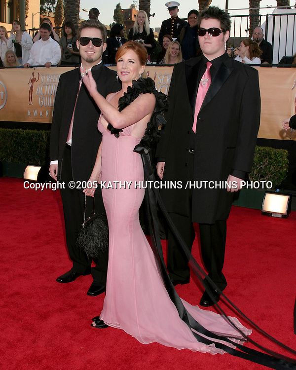 ©2005 KATHY HUTCHINS /HUTCHINS PHOTO.11TH SCREEN ACTOR'S GUILD AWARDS.SHRINE AUDITORIUM.LOS ANGELES, CA.FEBRUARY 5, 2005..MELISSA GILBERT.SONS