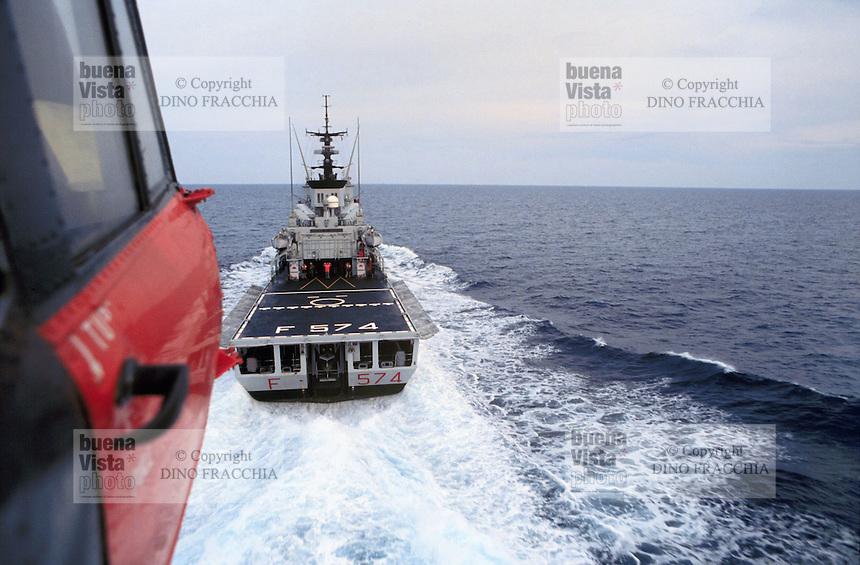 "- Italian Navy, deck-landing of a antisubmarine helicopter AB 212 on frigate ""Aliseo""....- Marina militare italiana, appontaggio di un elicottero antisommergibili  AB 212 sulla fregata ""Aliseo"""