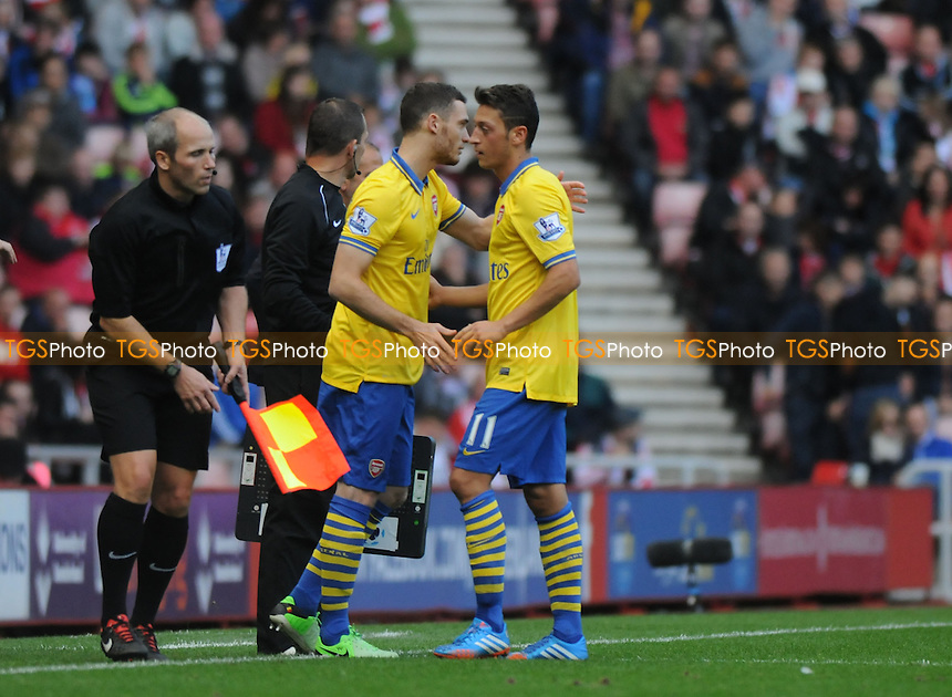 Mesut &Ouml;zil of Arsenal is substituted in the second half - Sunderland vs Arsenal - Barclays Premier League Football at the Stadium of Light, Sunderland - 14/09/13 - MANDATORY CREDIT: Steven White/TGSPHOTO - Self billing applies where appropriate - 0845 094 6026 - contact@tgsphoto.co.uk - NO UNPAID USE<br />   i