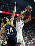Real Madrid's Trey Thompkins (r) and Fenerbahce Istambul's Jan Vesely during Euroleague, Regular Season, Round 29 match. March 31, 2017. (ALTERPHOTOS/Acero)