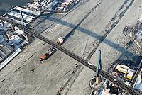 4415/Tetuan: EUROPA, DEUTSCHLAND, HAMBURG  28.01.2006 M/V Tetuan der Rederei Komrowski, TeamLines, Container Fessel, Containerschiff, Fedder, Gueterverbindung von Hamburg nach Skandinavien,  Elbe, Eis auf der Elbe, Eisgang, Koehlbrandbruecke, Seeweg, auf dem Weg zur CTA, Containerterminal Altenwerder, hier ist der Knotenpunkt fuer Container u.a. aus Skandinavien, Hafenquerspange, Schluesselstelle im Verkehrskonzept der Hansestadt Hamburg, Querrung des Köhlbrand, Suederelbe