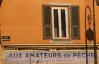 France/Corse/Corse-du-Sud/2A/Ajaccio: Détail de la façade d'une boutique d'articles de pêche sur le port de pêche