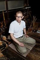 Japanese craftsman, Gifu Kawabata of Okeei