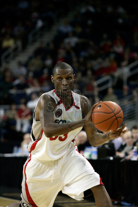 University of Georgia guard Mike Mercer in a basketball game against Gonzaga University at The Arena at Gwinnett Center in Duluth, Ga. on Saturday, Dec. 16, 2006. Georgia won 96-83.<br />
