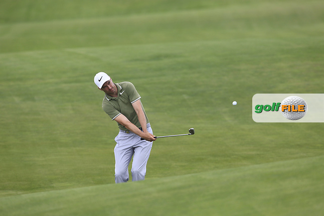 Ross Fisher (ENG) chips at the 17th green during Wednesday's Practice Day of the 117th U.S. Open Championship 2017 held at Erin Hills, Erin, Wisconsin, USA. 14th June 2017.<br /> Picture: Eoin Clarke | Golffile<br /> <br /> <br /> All photos usage must carry mandatory copyright credit (&copy; Golffile | Eoin Clarke)