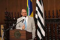 SÃO PAULO, SP, 04 DE JANEIRO 2012 - GERALDO ALKMIN - O governador Geraldo Alckmin anunciou hoje a nomeação de 14,5 mil professores para a Rede Estadual de Ensino e de mil agentes de organização escolar. Foto: Mauricio Camargo News Free.