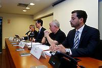 CURITIBA, PR, 09.11.2016 - LAVA JATO-PR -  Procuradores da força-tarefa Lava Jato do Ministério Público Federal (MPF-PR) recebe jornalistas na tarde desta quarta-feira (9), no auditório da Procuradoria da República no Paraná (PR/PR), para falar sobre projeto de lei que modifica as regras de acordos de leniência na Lei de Improbidade Administrativa. O projeto de autoria do líder do governo na Câmara dos Deputados, André Moura (PSC-SE), deve ser colocado em regime de urgência ainda nesta semana. (Foto: Paulo Lisboa/Brazil Photo Press)